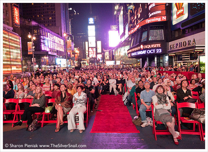 Time square red carpet crowd